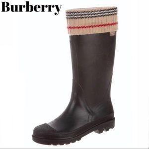 Burberry Rain Boot Black Nova Check Print Size 7